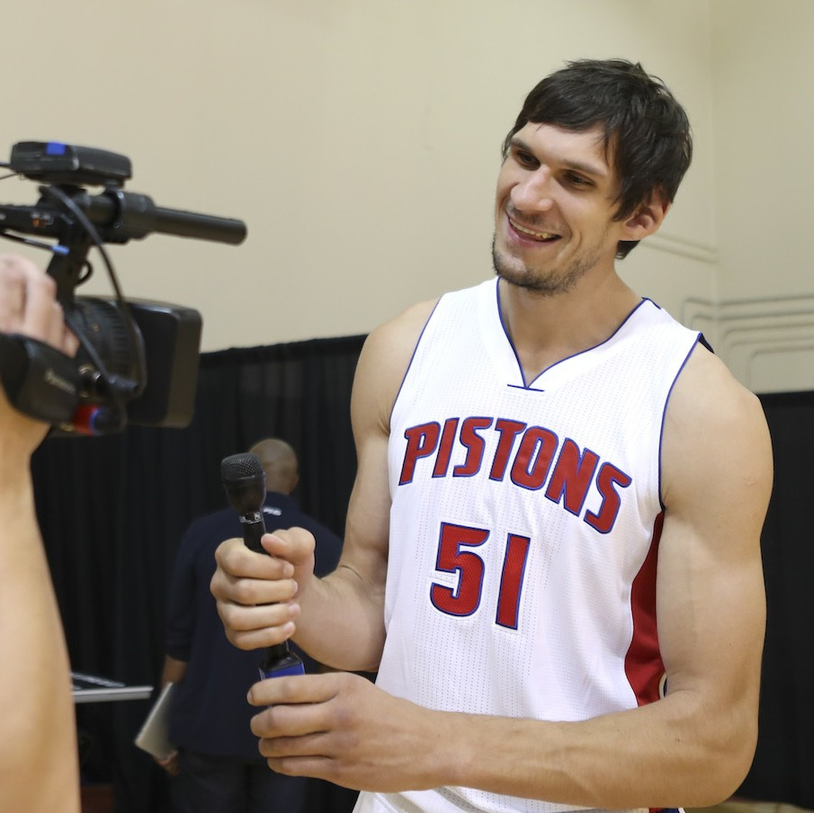 Gregg-popovich-had-to-convice-boban-to-take-21m-deal-with-detroit-1476220977.jpg?crop=0.7076023391812866xw:1xh;0