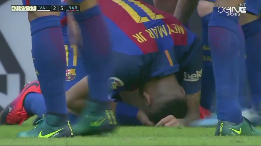 Valencia Fan Hits Neymar and Messi in the Head with a Water Bottle After Late Barcelona Win
