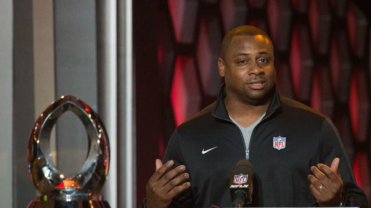 This Week, a NFL Executive Won a Domestic Violence Award