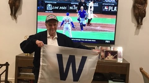 Cubs Superfan Bob Newhart Is Ready to Fly the W One Last Time This Year