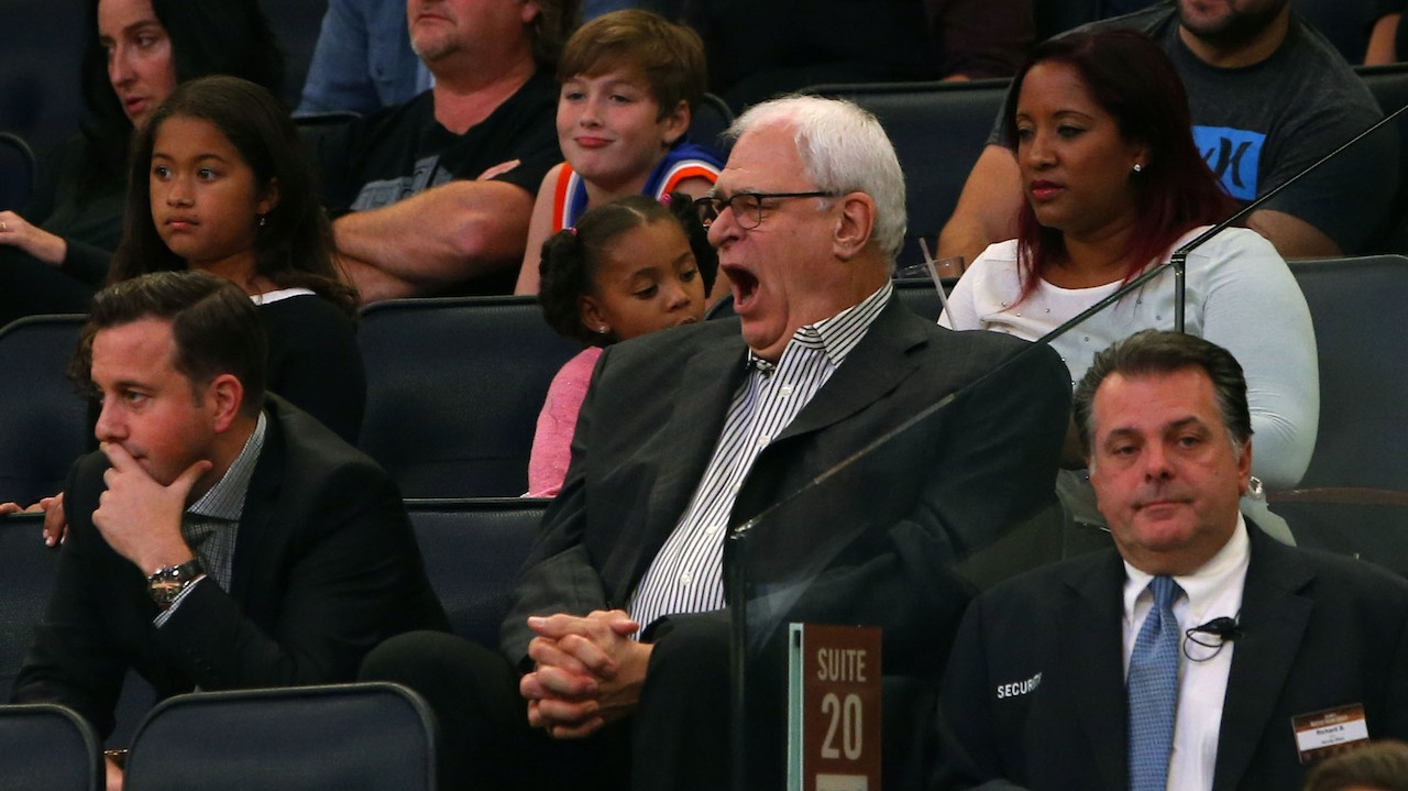 Phil Jackson Is Mad the Knicks Aren't Running the Triangle Offense Enough