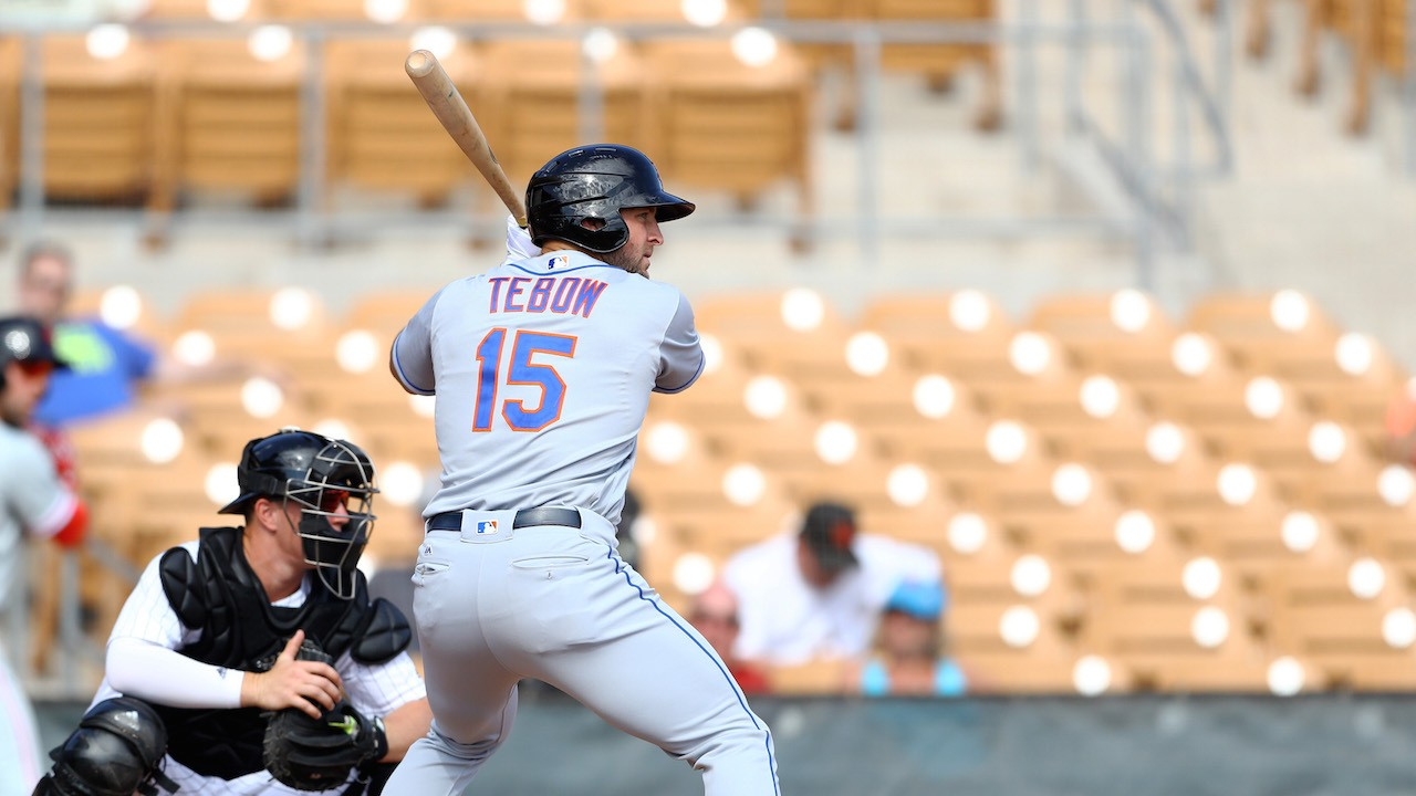 Tim Tebow Gets a Walk-Off Hit