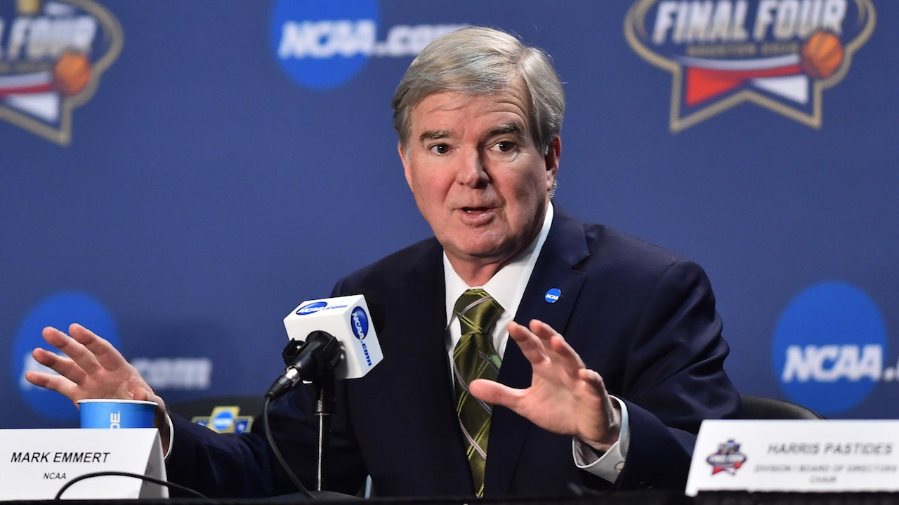 "NCAA Frown Emojis on College Coaches ""Reacting"" to Texts At Certain Times on New IPhone IOS"