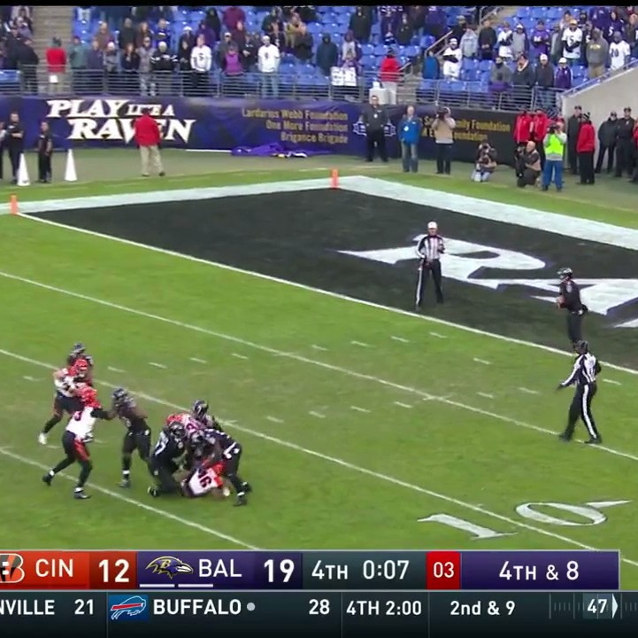 Ravens-run-out-clock-and-end-game-by-holding-every-single-player-on-field-1480358914.jpeg?crop=0.5633528265107213xw:1xh;0