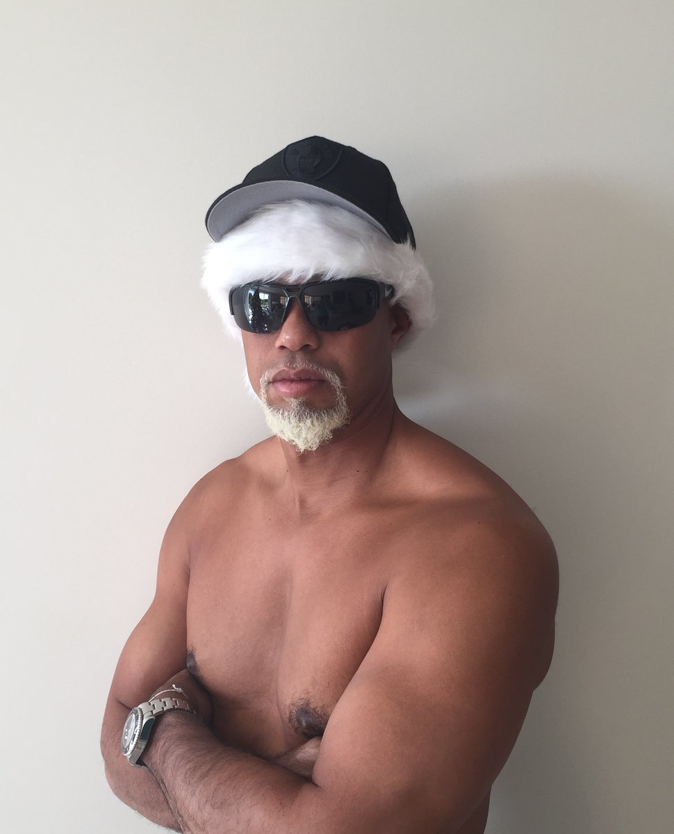 Merry Christmas From Tiger Woods's Nipples - VICE Sports