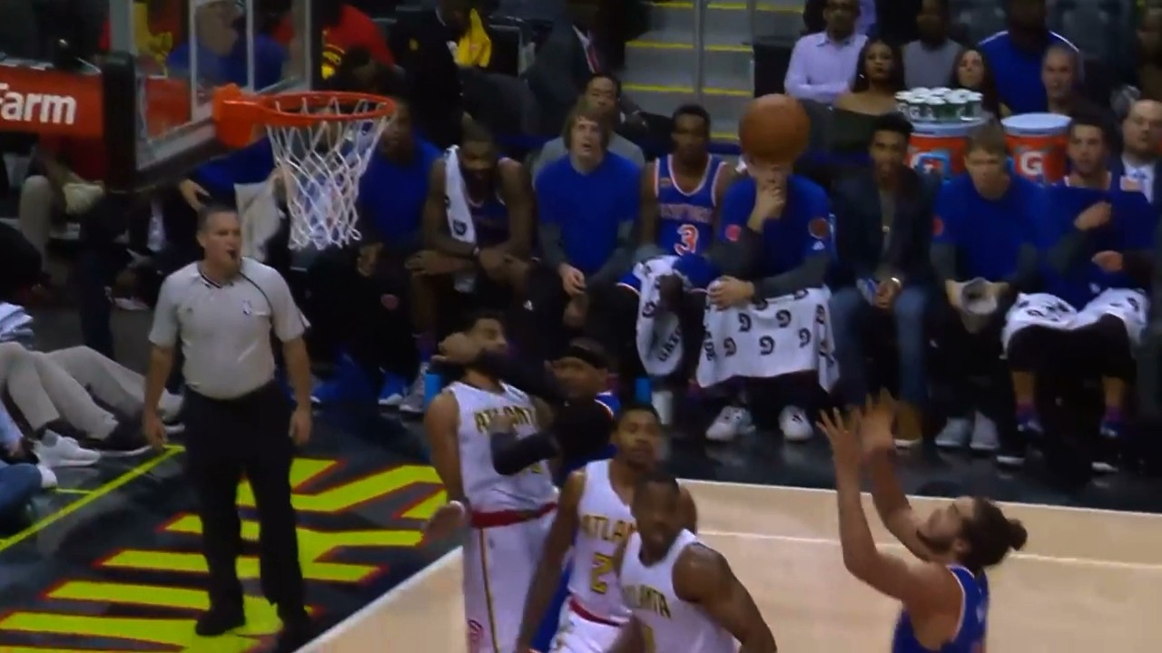 Carmelo Anthony Ejected for Hitting Thabo Sefolosha in Face