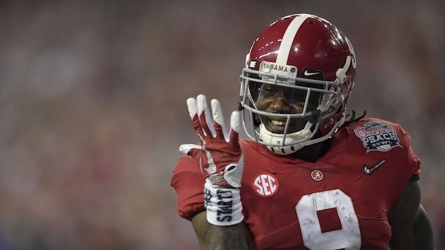 The Peach Bowl Confirmed It: Alabama Might Not Be an NFL Team, But It's Certainly Not a College Team Either