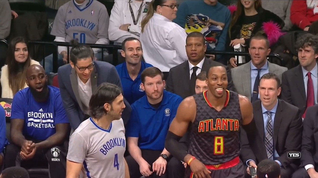 Dwight Howard Fakes Handshake with Jeremy Lin, Then Dabs On Him