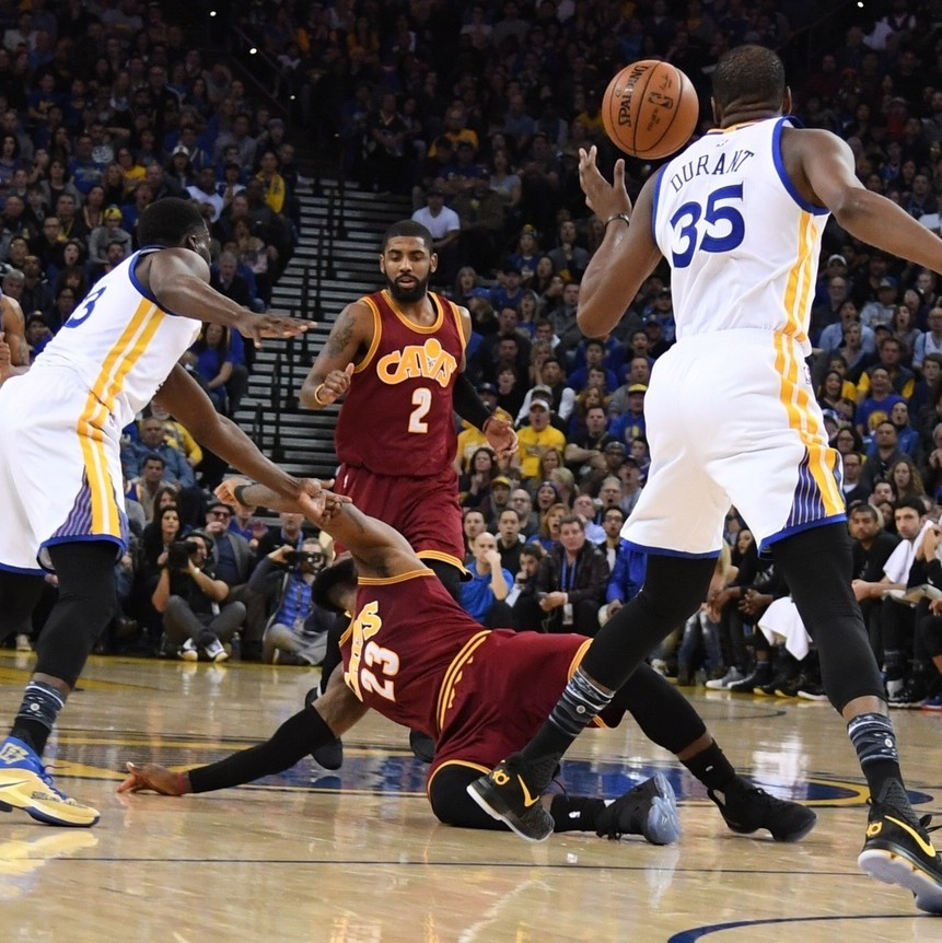 Draymond-green-mocks-lebrons-flopping-banters-with-kyrie-irving-during-warriors-win-1484677255.jpg?crop=0