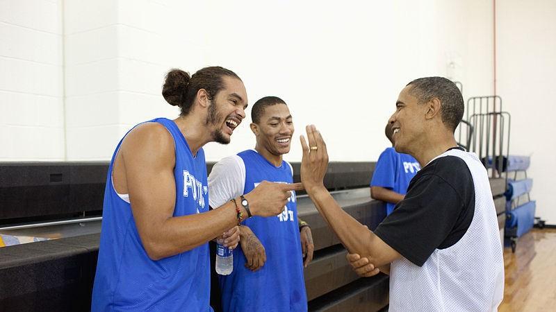 La fois où Joakim Noah a muselé Barack Obama dans un match de basket