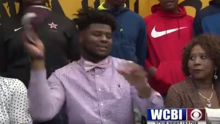 Recruit Pump-Fakes Miss. St. and Tosses Hat Before Committing to Ole Miss