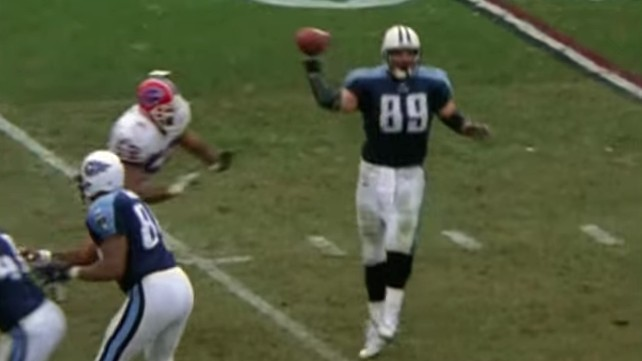 "Former Titans Tight End Frank Wycheck Believes he has CTE, Worries he Could ""Snap"""
