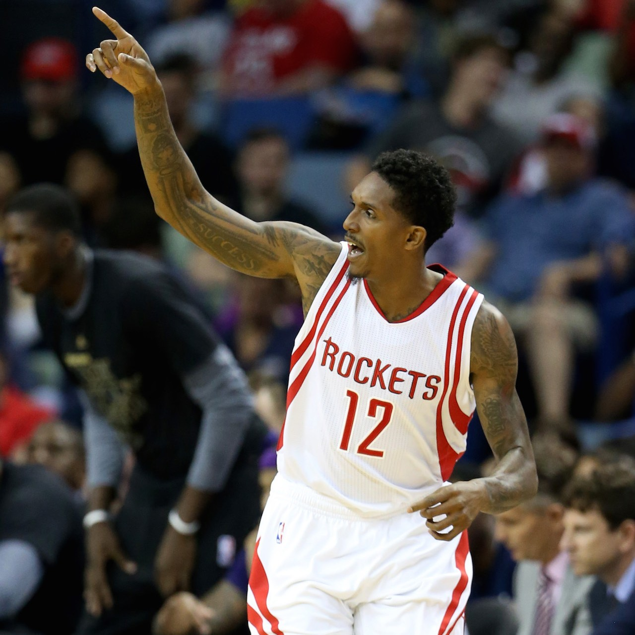 https://sports-images.vice.com/images/highlights/meta/2017/02/24/lou-williams-has-always-been-a-houston-rocket-at-heart-1487950043.jpg?crop=1xw:0.5663716814159292xh;0xw,0.05641592920353982xh&output-quality=75