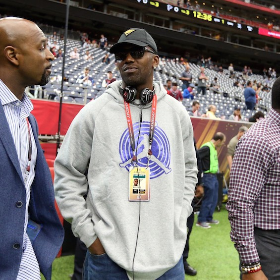 Longtime-nfl-exec-makes-the-hall-of-fame-case-against-terrell-owens-and-randy-moss-1488387714.jpg?crop=0