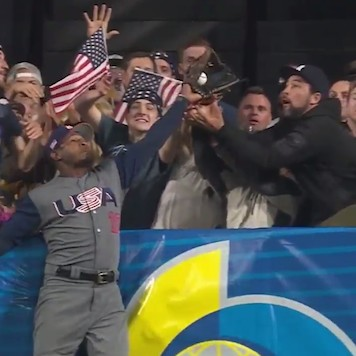 Adam-jones-catch-that-robbed-the-dominican-republic-may-have-made-a-legend-of-team-usa-yet-1489938256.png?crop=0