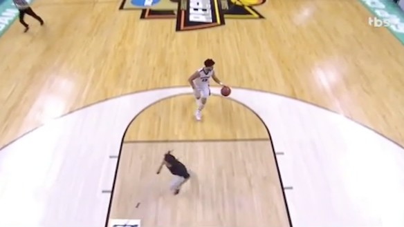 Mop Person Nearly Mowed Over in Josh Perkins' Fast Break Warpath