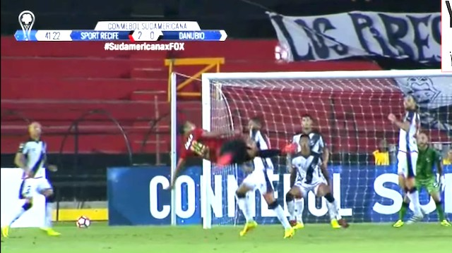 Brazilian Team Executes the Ultra-Rare Triple Bicycle Kick Golazo