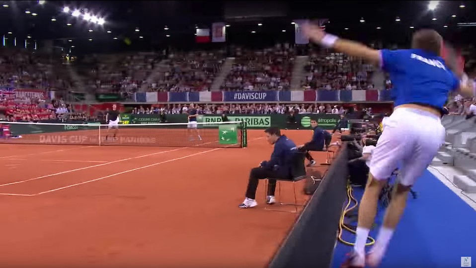 Nicolas Mahut Makes an Incredible Shot From the Stands, Loses Point Anyway
