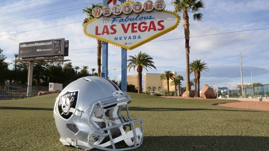Derek Carr Says Raiders Fans Who Don't Follow Team to Vegas Aren't Real Fans