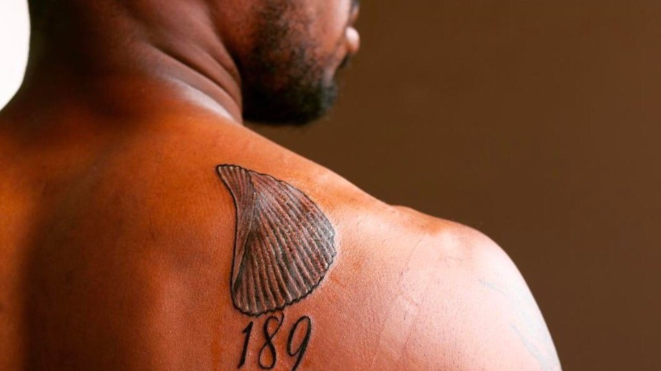 Cowboys' Anthony Brown Gets Potato Chip Tattooed On His Shoulder In One Interpretation of the Expression