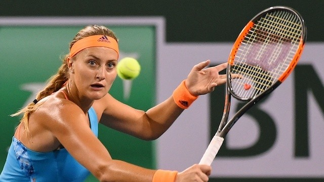 This Backhand by Kiki Mladenovic Is So Good, It Just Doesn't Make Sense